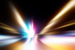 Abstraktes Bild des Nachtverkehrs in der Stadt Lizenzfreie Stockfotos