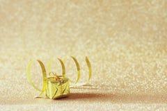 Abstraktes Bild des Weihnachtsfestlichen Geschenkes Stockbild