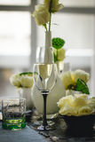 Abstraktes Bild eines Glases Weins Stockbild