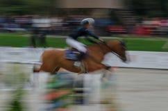 Abstraktes Bild mit einem Pferd am Showspringen Lizenzfreies Stockbild