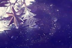 Abstraktes Bild von Weihnachtsbaum-Girlandenlichtern Stockbilder