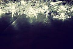 Abstraktes Bild von Weihnachtsbaum-Girlandenlichtern Lizenzfreies Stockfoto