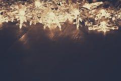 Abstraktes Bild von Weihnachtsbaum-Girlandenlichtern Stockbild