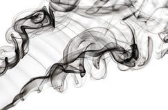 Abstraktes Dampfmuster: schwarze Rauchstrudel und -kurven Stockbilder