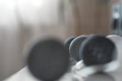 Abstraktes Foto von Schnurbällen mit flacher Schärfentiefe Blac Lizenzfreie Stockfotos