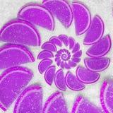 Abstraktes Fruchtgelee zwängt Hinterpauschenläppchen auf Hintergrund des raffinierten Zuckers Violette Gelees Abstraktes Fruchtge Stockfotos