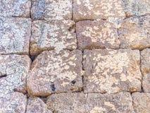 Abstraktes Gitter deckt Felsenmusterboden mit Ziegeln Stockbilder