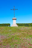 abstraktes heiliges Kreuz des Grases in Italien Stockbild