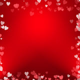 Abstraktes Herzblasendesign mit rotem Hintergrund Stockfotografie