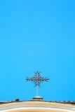 abstraktes Kreuz im Himmelhintergrund Lizenzfreie Stockfotografie