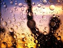 Abstraktes Makro des Wassers und des Öls oben geschlossen Stockfoto