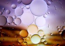 Abstraktes Makro des Wassers und des Öls oben geschlossen Lizenzfreie Stockfotos