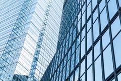 Abstraktes modernes Geschäftsarchitekturfragment Stockfotos