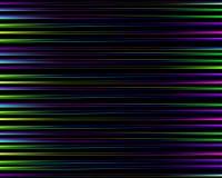 Abstraktes Muster des Regenbogens Heller bunter Druck bestanden aus den purpurroten, blauen, grünen und rosa Linien auf schwarzem Stockfotos