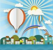 Abstraktes Papier schnitt mit Sonnenschein, Wolke, Haus, Bäumen und leerem Ballon auf hellblauem Hintergrund Ballonraum für Platz Stockbilder
