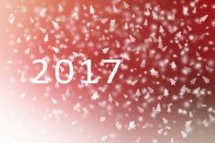 Abstraktes Rotes des guten Rutsch ins Neue Jahr 2017 und weiß mit Schneeflocken und Weihnachtsbaum für Hintergrund Lizenzfreie Stockfotografie