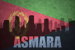 Abstraktes Schattenbild der Stadt mit Text Asmara an der Weinlese Eritreanflagge Lizenzfreies Stockbild