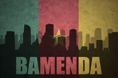 Abstraktes Schattenbild der Stadt mit Text Bamenda an der Weinlese Cameroon-Flagge Lizenzfreie Stockfotografie