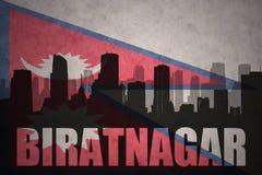 Abstraktes Schattenbild der Stadt mit Text Biratnagar an der Weinlesenepal-Flagge Stockfotos