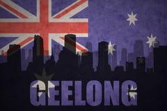 Abstraktes Schattenbild der Stadt mit Text Geelong an der Weinleseaustralierflagge Lizenzfreies Stockfoto