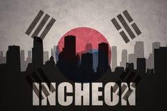 Abstraktes Schattenbild der Stadt mit Text Incheon an der Weinlesesüdkorea-Flagge Lizenzfreie Stockbilder