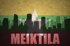Abstraktes Schattenbild der Stadt mit Text Meiktila an der Weinlese Myanmar-Flagge Stockbilder