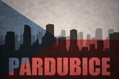 Abstraktes Schattenbild der Stadt mit Text Pardubice an der Flagge der Tschechischen Republik der Weinlese Lizenzfreie Stockbilder