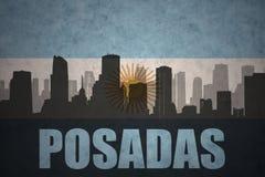Abstraktes Schattenbild der Stadt mit Text Posadas an der Weinleseargentinierflagge Stockfoto