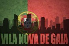 Abstraktes Schattenbild der Stadt mit Text Vila Nova de Gaia an der Weinleseportugieseflagge Stockfotografie