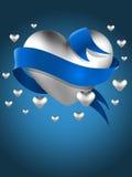 Abstraktes silbernes Herz mit Karte des blauen Bandes Lizenzfreie Stockfotografie