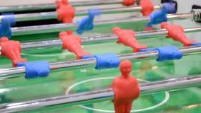 Abstraktes Spielzeugsportfeld, modernes Fußballspiel, stock video footage