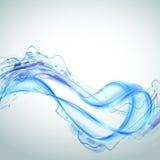Abstraktes Spritzen des blauen Wassers lokalisiert auf weißem Hintergrund Lizenzfreie Stockbilder