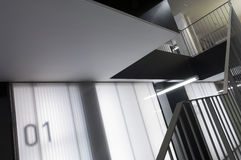Abstraktes Treppenhaus Stockfotos