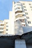 Abstraktes Turm-Block-Gebäude Stockfotografie
