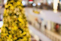 Abstraktes undeutliches bokeh Weihnachten mit Einkaufszentrum Lizenzfreie Stockfotografie