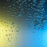 Abstraktes Wasser mit Blasen Lizenzfreie Stockbilder