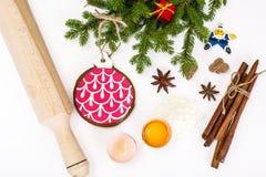 Abstraktes Weihnachts-und neues Jahr-Hintergrund mit Lebkuchen Stockfotografie