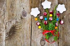 Abstraktes Weihnachtsnatürlicher Hintergrund in Grey Boards Stockfotografie