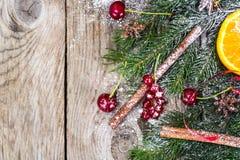Abstraktes Weihnachtsnatürlicher Hintergrund in Grey Boards Lizenzfreie Stockfotos