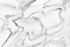 Abstraktes Wellenmuster, weißer grauer Marmortintenbeschaffenheitshintergrund Stockfotografie