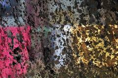 Abstraktion der Farbe und des Lichtes: hochrote, rosa, gelbe, braune Rechtecke mit den schwarzen Klecksen, ungleich beleuchtet du Stockbild