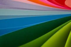 Abstraktion vom farbigen Papier Stockfotos
