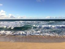 Abstreifensand-Strand am Polihale-Nationalpark auf Kauai-Insel Lizenzfreie Stockfotos