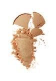 Abstrich des zerquetschten beige Lidschattens als Probe des kosmetischen Produktes Lizenzfreie Stockfotografie
