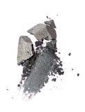 Abstrich des zerquetschten glänzenden grauen Lidschattens als Probe des kosmetischen Produktes Lizenzfreie Stockbilder