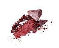 Abstrich des zerquetschten purpurroten Lidschattens als Probe des kosmetischen Produktes Lizenzfreie Stockbilder