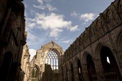Abtei im Holyrood Palast Stockfoto