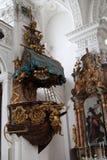 Abtei-Schiffskanzel Kloster Irsee Stockfoto