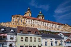 Abtei und Straßen Melk in Melk Österreich Stockfotos