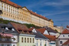 Abtei und Straßen Melk in Melk Österreich Stockfotografie